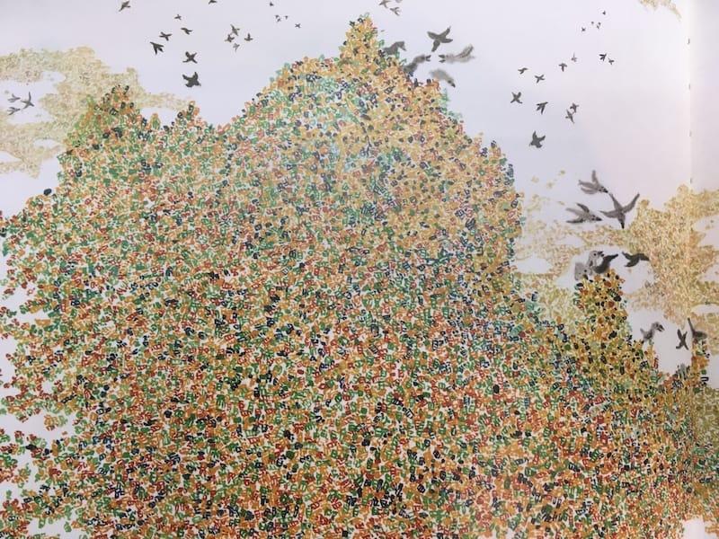 塑膠島上五顏六色的垃圾